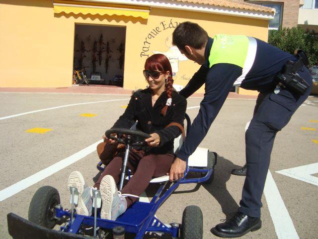Los usuarios del Servicio de Apoyo Psicosocial participan en las jornadas de educación vial, Foto 2