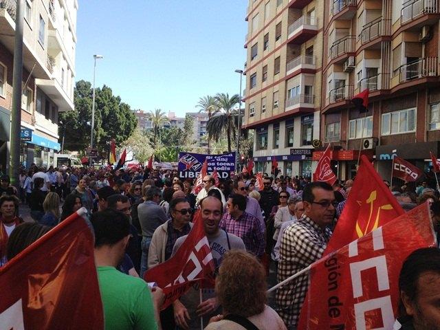 Concejales de IU-Verdes en Totana asistieron a la manifestación celebrada el 1 de Mayo en Murcia, Foto 1