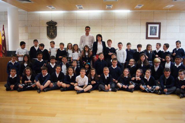 Los alumnos del Colegio La Milagrosa visitan el Ayuntamiento para conocer cómo funciona la Administración Local, Foto 2