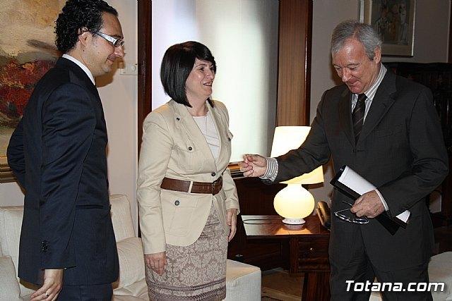 La alcaldesa de Totana reclama apoyo institucional al Vicepresidente del Comité de las Regiones, Foto 2
