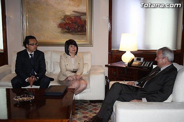 La alcaldesa de Totana reclama apoyo institucional al Vicepresidente del Comité de las Regiones, Foto 3
