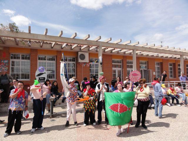 Los usuarios del Centro de Día José Moyá celebran por segundo año un particular Entierro de la Sardina, Foto 2