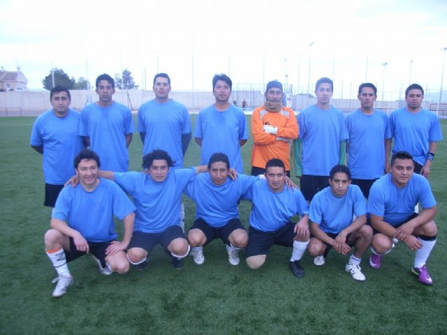 Finaliza la liga de fútbol aficionado Juega Limpio, Foto 2
