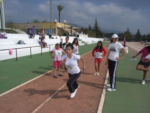 Un total de 64 escolares participaron en la jornada de atletismo de Deporte Escolar, Foto 1