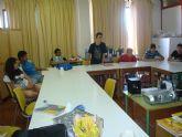 Los alumnos del Aula Ocupacional del Servicio Municipal de Prevención y Control del Absentismo Escolar participan en el taller de educación en valores