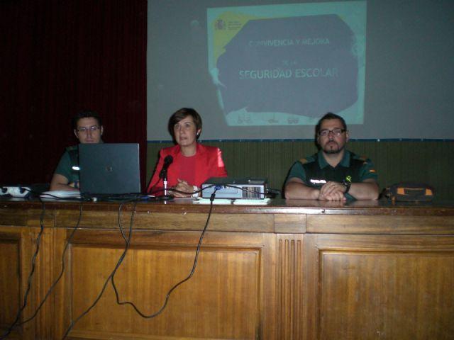Finaliza el programa formativo de la Escuela Municipal de Padres y Madres, Foto 1
