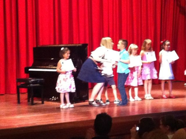 Los alumnos de la Escuela Municipal de Música de Totana llevan a cabo una audición de piano como actividad de fin de curso, Foto 2
