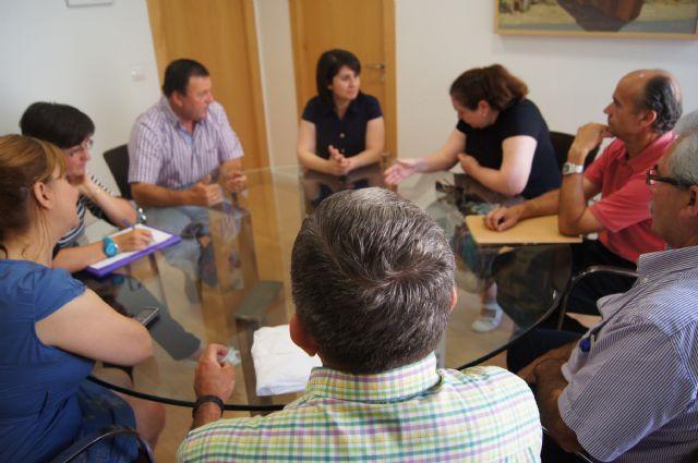 La alcaldesa y la Asociación de Vecinos de las Viñas-Carivete se reúnen, Foto 2