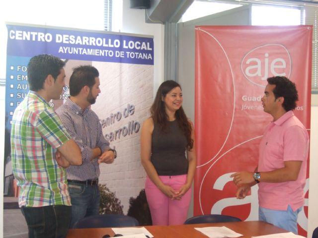 La Asociación de Jóvenes Empresarios del Guadalentín celebra su junta directiva en las instalaciones del Centro de Desarrollo Local de Totana, Foto 1