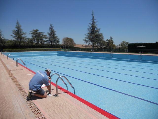 La concejalía de Deportes trabaja intensamente en poner a punto las piscinas municipales, Foto 1
