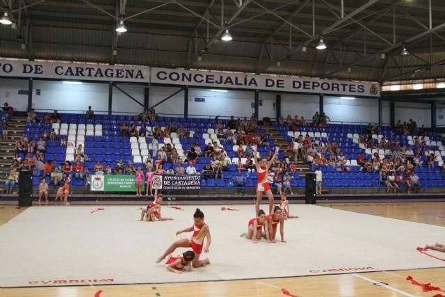 Cartagena m sica y color protagonizan la clausura del for Piscina cubierta alcantarilla