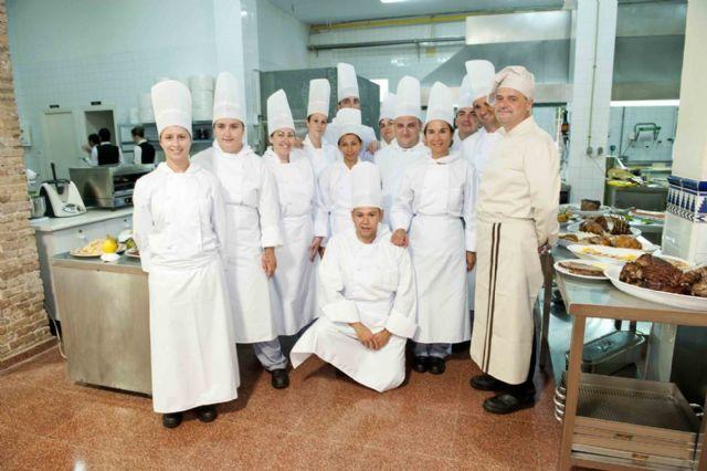 Cartagena los alumnos de los cursos de cocina bar y - Curso de cocina murcia ...