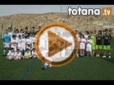 Unos 50 niños y jóvenes participan durante esta semana en el I Campus de Fútbol Punto Pelota que coordina Isaac Jové