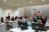 Diecis�is personas aprenden a manejar el programa Facturaplus
