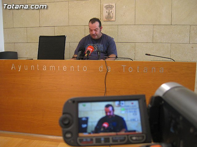 Agricultura informa a los propietarios de palmeras sobre el tratamiento que el ayuntamiento realiza para prevenir la plaga del picudo rojo, Foto 1