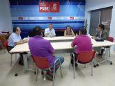 El PSOE apoya a los pequeños comerciantes, cuya situaci�n peligra por la subida del IVA y la liberalizaci�n de horarios