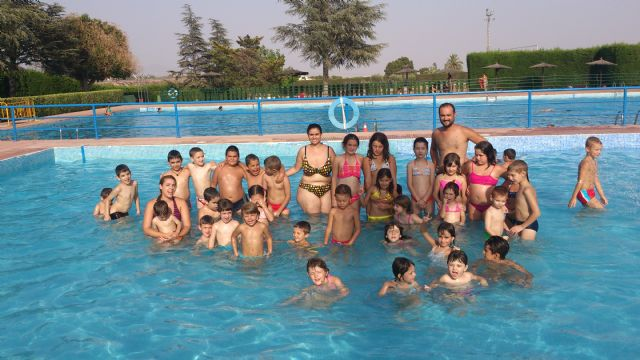 Más de 60 niños han participado en la Escuela de Verano organizada por el colectivo El Candil en colaboración con el ayuntamiento, Foto 4