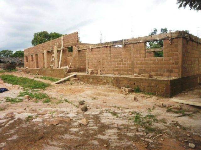 Anike Voluntarios informa sobre el buen desarrollo de la construccion de un colegio en Burkina Faso, Foto 2