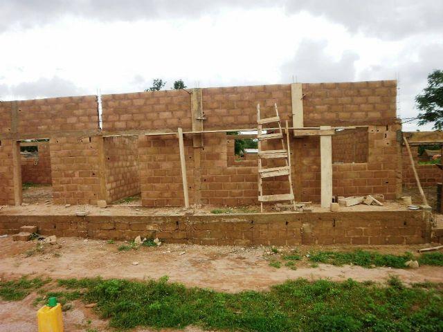 Anike Voluntarios informa sobre el buen desarrollo de la construccion de un colegio en Burkina Faso, Foto 3