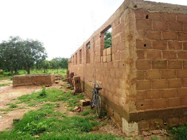 Anike Voluntarios informa sobre el buen desarrollo de la construccion de un colegio en Burkina Faso, Foto 4