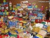 Más de 300 personas han sido valoradas y derivadas por los servicios sociales municipales para obtener alimentos y otras ayudas municipales por Cáritas y Adipsai
