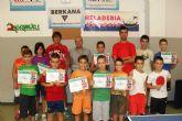 Diplomas para los niños de la Escuela de Verano de Tenis de Mesa