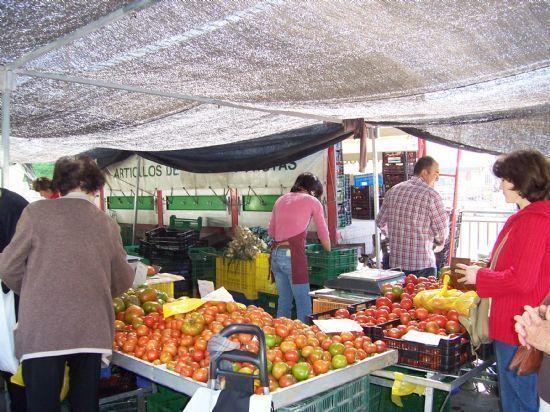 A partir mañana los puestos del Mercado se trasladarán a la parte superior de la Avenida Rambla de la Santa, Foto 1