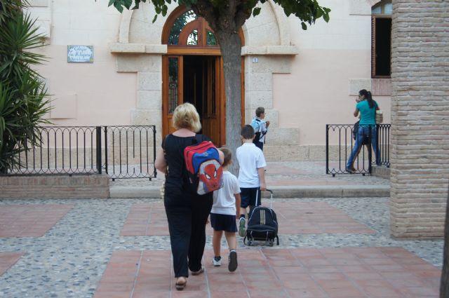 Comienza hoy el curso escolar 2012/13 en los once centros de educación infantil y primaria de Totana, Foto 1