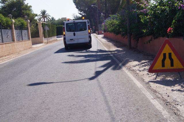 La Dirección General de Carreteras está acometiendo trabajos de limpieza y desbroce de los arcenes y limpieza de cunetas en las carreteras de C-7 y C-8, Foto 3