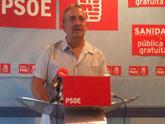Las presiones del PSOE han obligado a la alcaldesa a recibir a los trabajadores y a respetar sus puestos