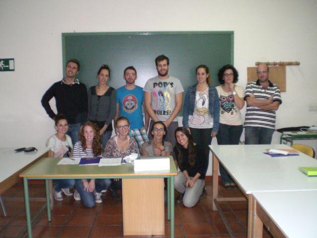 Cerca de una quincena de jóvenes se dan cita en el curso de monitor de tiempo libre, Foto 1
