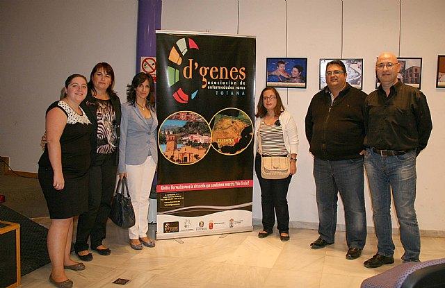 La exposición Las Enfermedades Raras llenas de vida visita Caravaca, Foto 1