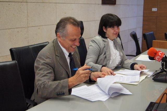 Más de 120 usuarios se benefician del servicio municipal de teleasistencia en virtud del convenio suscrito con Cruz Roja Española en la Región de Murcia, Foto 2