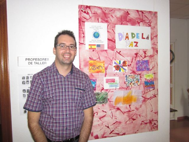 Intercambio de arte postal por el Día de la Paz en el Centro José Moya con el Leap Program de Chesapeake (EE.UU.), Foto 2