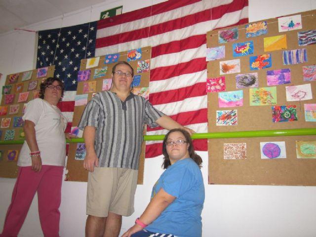 Intercambio de arte postal por el Día de la Paz en el Centro José Moya con el Leap Program de Chesapeake (EE.UU.), Foto 3