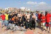 Media tonelada de basura menos en los fondos marinos y playas de la Bahía de Mazarrón