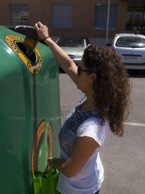 Los ciudadanos de la Región reciclaron 21.510 toneladas de vidrio durante 2011, un cuatro por ciento más que el año anterior, Foto 2