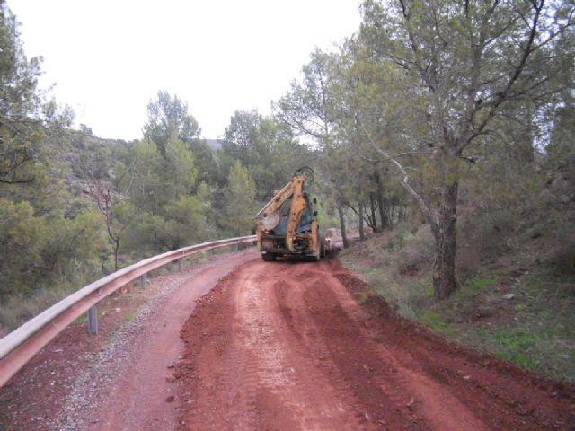 El ayuntamiento de Totana cifra en 1,5 millones de euros la valoración de daños ocasionados por las lluvias torrenciales del 28 de septiembre en los viales públicos del término municipal, Foto 2