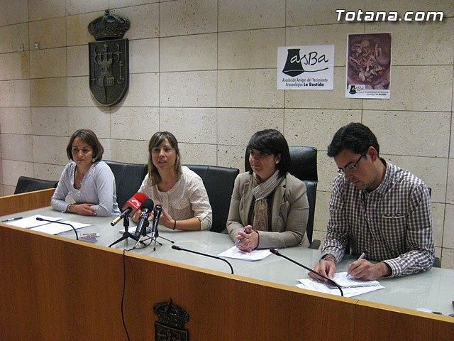 Presentación de asBa (Asociación Amigos del Yacimiento Arqueológico de La Bastida), Foto 1