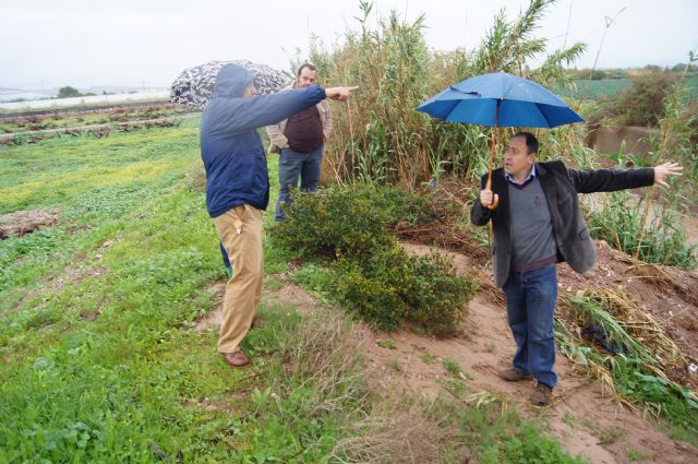 El ayuntamiento y la CHS visitan las zonas donde desembocan las principales ramblas de Totana, en las que se acometerían los embalses para la reutilización de pluviales, Foto 2
