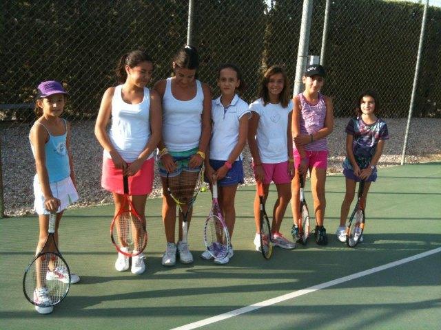 Victoria de la Escuela del Club de Tenis Totana en la Liga Regional Interescuelas, Foto 2