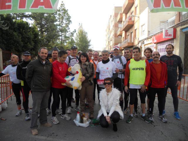 Autoridades municipales reciben a los deportistas de la Travesía de Reyes, Foto 1