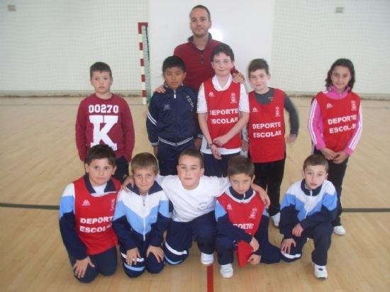 El colegio La Milagrosa consigue el primer puesto en las fases locales de baloncesto benjamín y voleibol alevín de Deporte Escolar, Foto 1