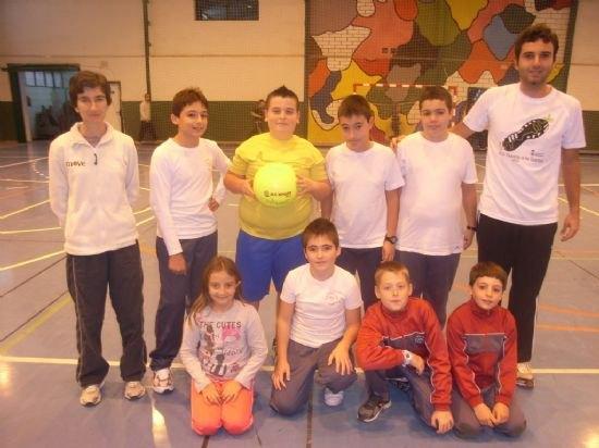 El colegio La Milagrosa consigue el primer puesto en las fases locales de baloncesto benjamín y voleibol alevín de Deporte Escolar, Foto 4