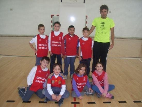 El colegio La Milagrosa consigue el primer puesto en las fases locales de baloncesto benjamín y voleibol alevín de Deporte Escolar, Foto 5