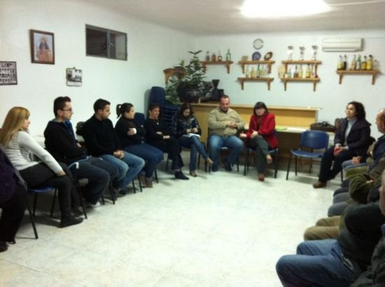 Autoridades municipales se reúnen con las asociaciones de El Raiguero para tratar necesidades vecinales de esta diputación, Foto 1