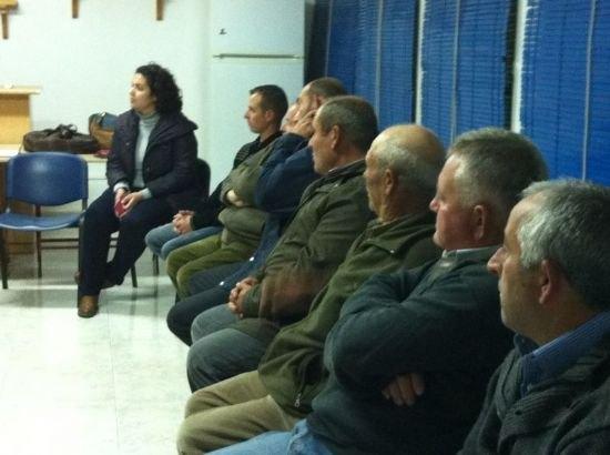 Autoridades municipales se reúnen con las asociaciones de El Raiguero para tratar necesidades vecinales de esta diputación, Foto 3