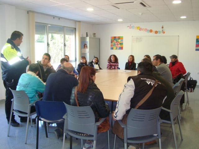 El Servicio de Apoyo Psicosocial recibe formación a través de unas Jornadas de Educación Vial, Foto 3
