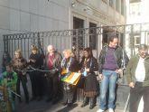 150 agricultores de Totana participan en una concentraci�n frente a la Delegaci�n del Gobierno de Murcia