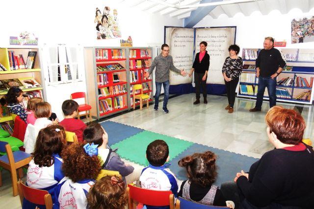 Una tarde de cuentos en la biblioteca municipal de alhama, Foto 4